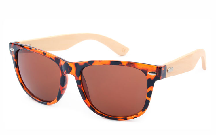 ee730be630da Brun wayfarer solbrille med bambus - Design nr. 3050