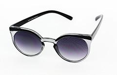 5244bf5ef592 Rund solbrille i smokey med sort kant - Design nr. 1021